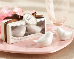 Great Wedding Favors to Match Your Existing Wedding Colors