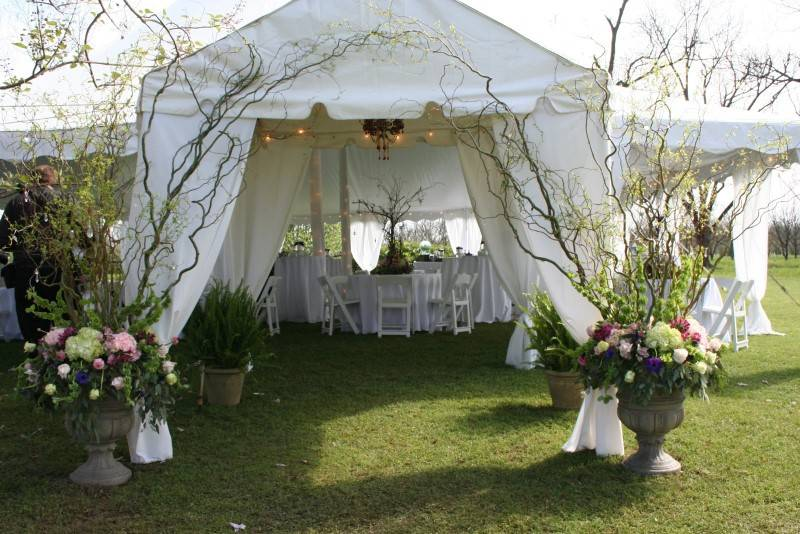 Tips for Pulling Off an Elegant Tent Wedding