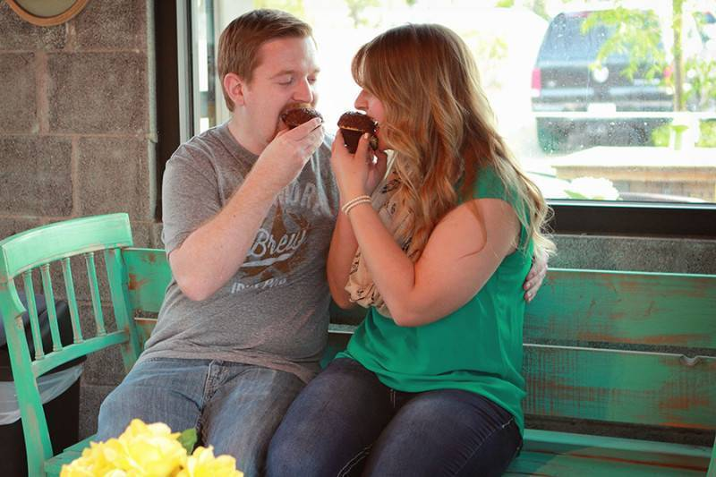 Coffee & Cupcakes   Engagement Session