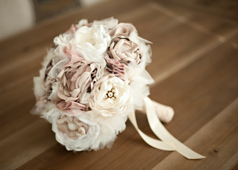 Artificial Bouquet Ideas for a Valentine's Day Wedding