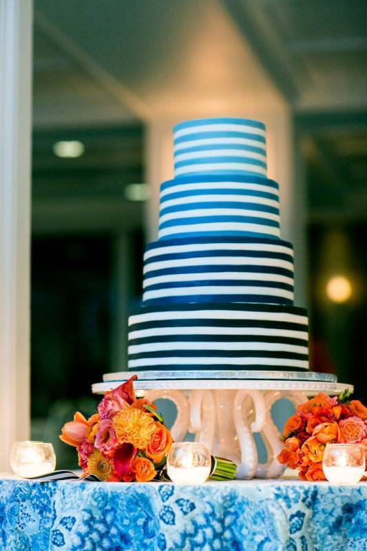 Gorgeous and Elegant Wedding Stripes