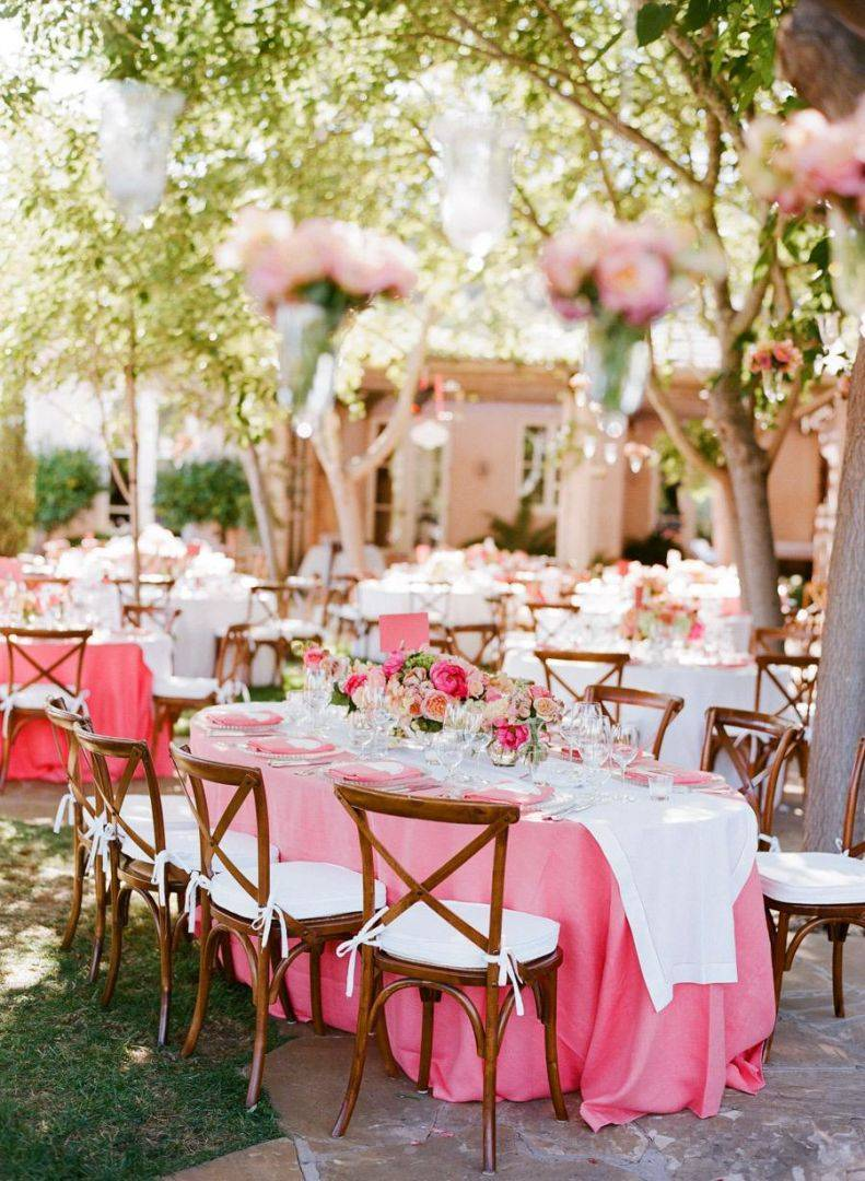 Elegant Wedding Decor Doesnt Have to be Pricy