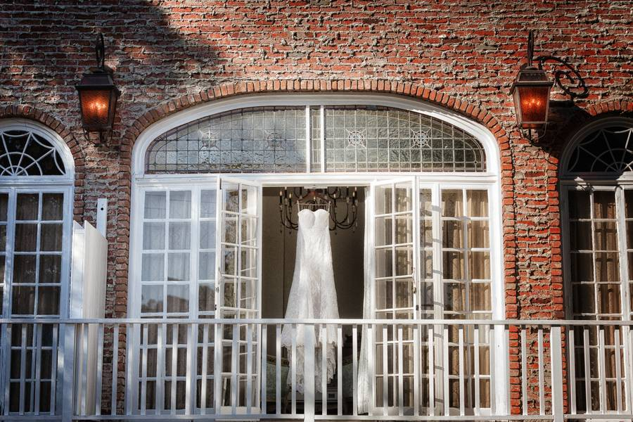 Rustic Elegance At The 1880 Union Hotel