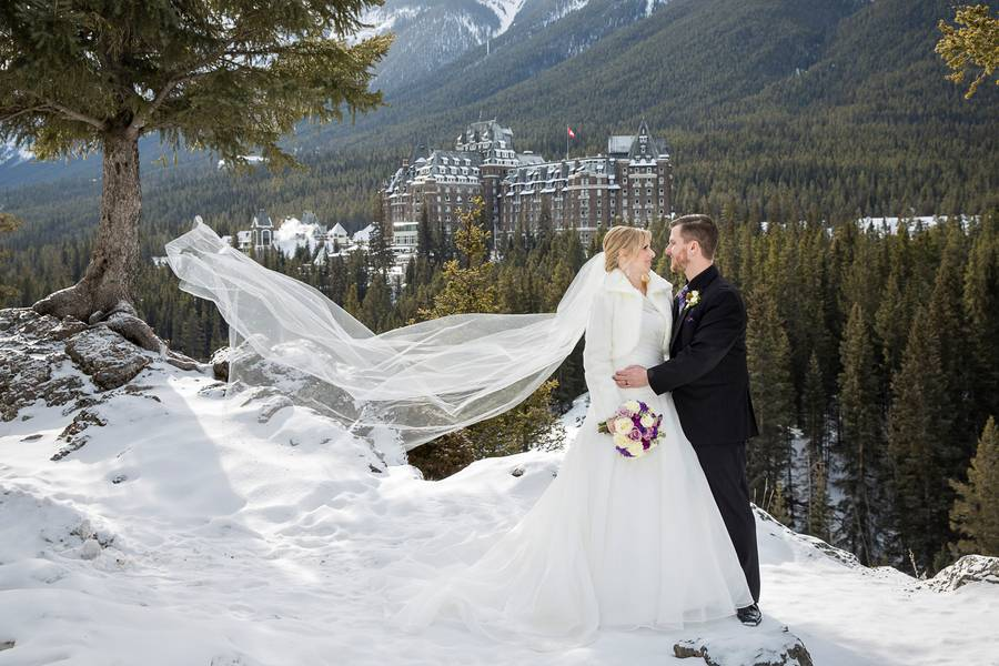 Romantic Mountain Winter Wedding in a Castle