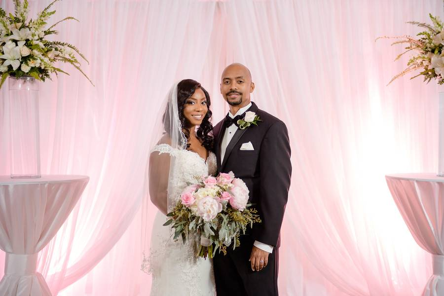 Classy Wedding with Gorgeous Blush and Gold Tones